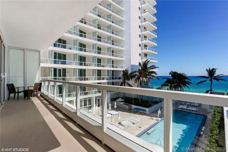 4391 COLLINS AVE #623 photo015