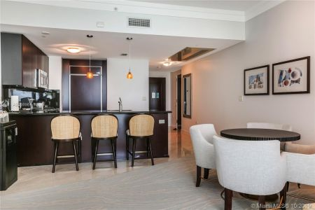 4391 COLLINS AVE #623 photo08