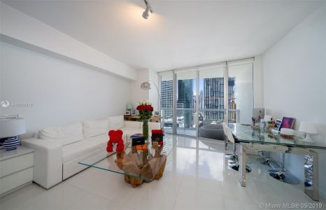 475 BRICKELL AVE #2310 photo05