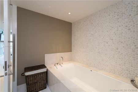 17121 Collins Ave #4308 photo010