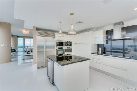 17121 Collins Ave #4308 photo03