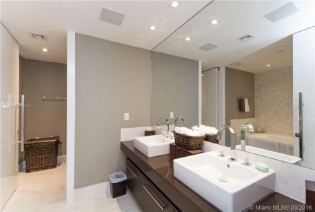17121 Collins Ave #4308 photo09