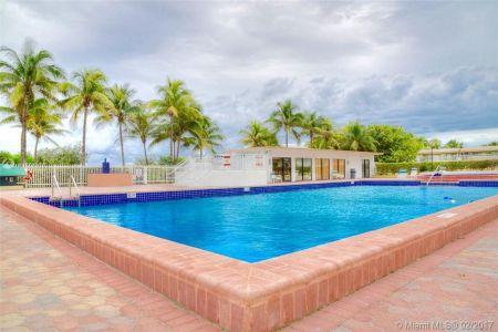 Carriage Club North Tower #304 - 5005 COLLINS AV #304, Miami Beach, FL 33140