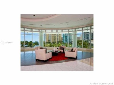 300 S Biscayne Blvd #T-2401 photo02