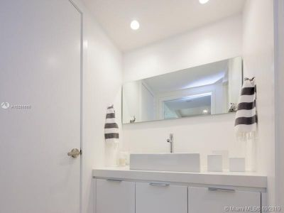 2301 Collins Ave #428 photo018