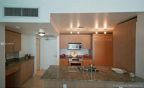 10275 Collins Ave #407 photo05