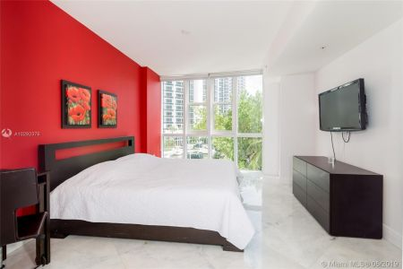 18201 Collins Ave #501A Owner Fin. photo010