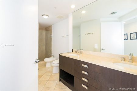 18201 Collins Ave #501A Owner Fin. photo012