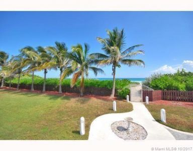 5255 Collins Ave #1A photo05