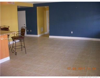 5255 Collins Ave #1A photo08
