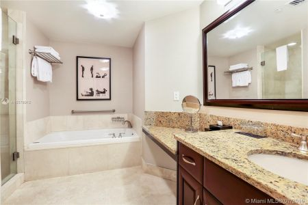 4401 COLLINS AVE #2405/2407 photo014