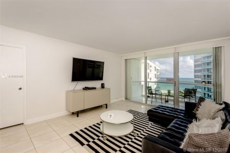 5151 Collins Ave #926 photo03