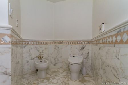 10225 Collins Ave #1704 photo021