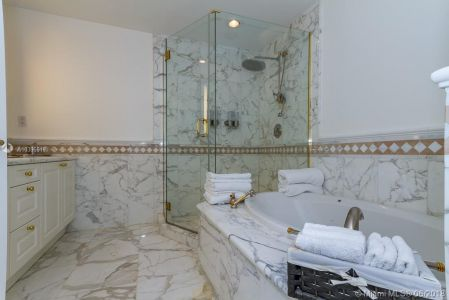 10225 Collins Ave #1704 photo022