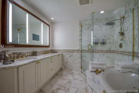 10225 Collins Ave #1704 photo023