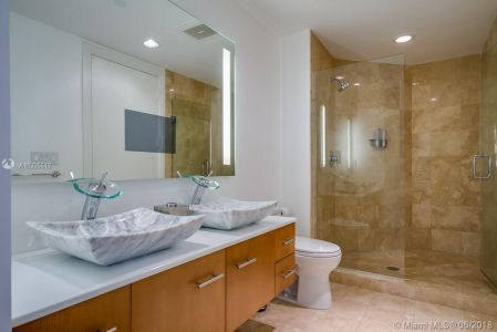 10225 Collins Ave #1704 photo031