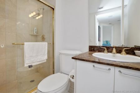 17555 Collins Ave #601 photo020