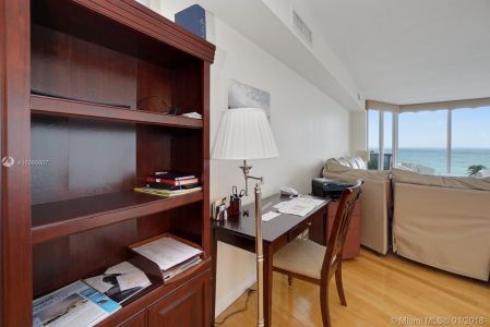 17555 Collins Ave #601 photo022
