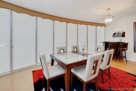 17555 Collins Ave #601 photo04