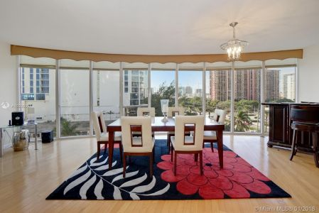 17555 Collins Ave #601 photo08