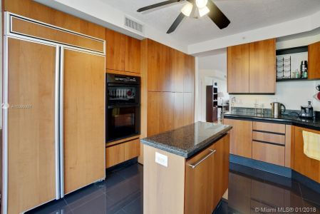 17555 Collins Ave #601 photo09