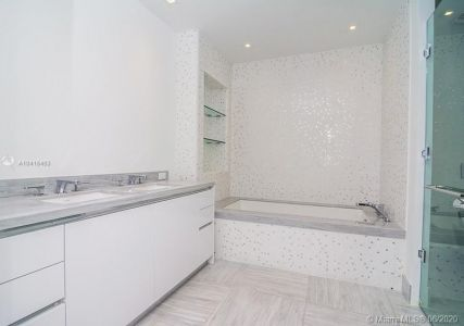16901 Collins Ave #602 photo013