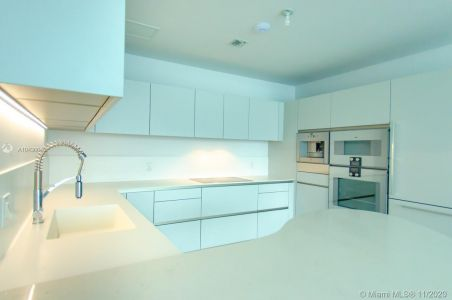 16901 COLLINS AVE #904 photo09