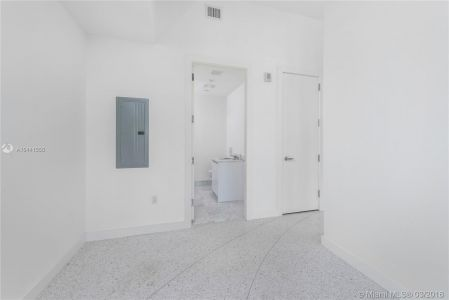 16901 Collins Ave #403 photo011