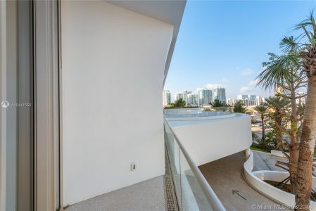 16901 Collins Ave #403 photo012