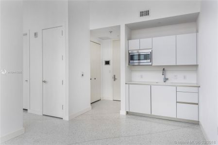16901 Collins Ave #403 photo03