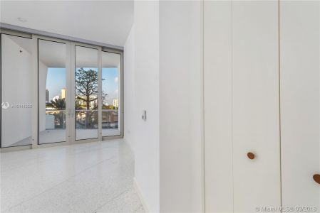 16901 Collins Ave #403 photo06