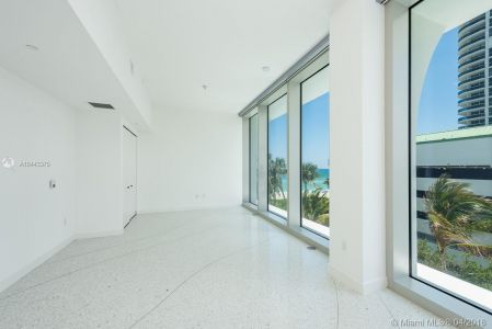 16901 Collins Ave #406 photo03