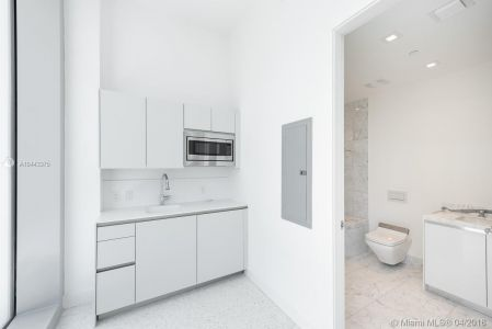 16901 Collins Ave #406 photo06