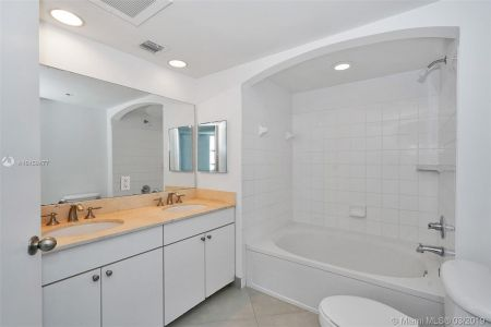 9201 Collins Ave #822 photo07