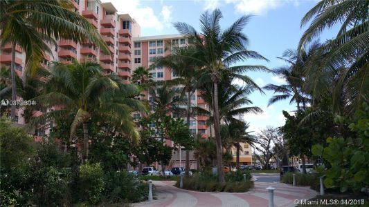 2899 Collins Ave #604 photo017