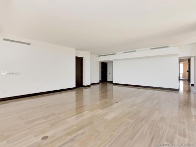 17749 Collins Ave #1101 photo02