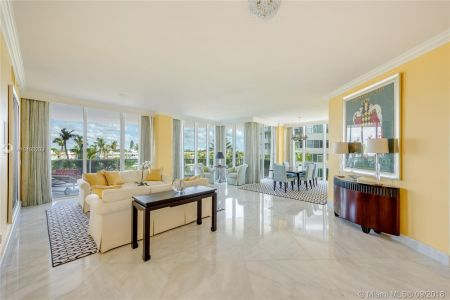 10225 Collins Ave #203 photo02