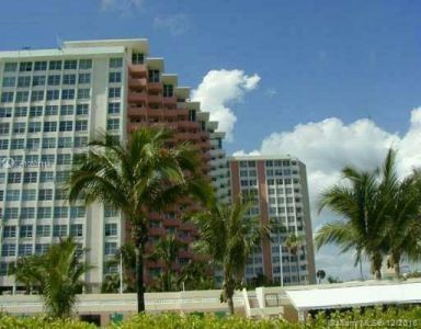 2899 Collins Ave #1247 photo03
