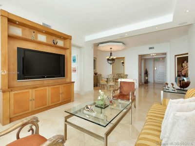 16051 Collins Ave #702 photo012