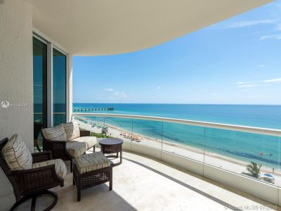 16051 Collins Ave #702 photo05
