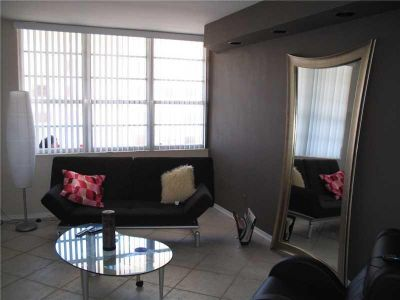 Decoplage #834 - 100 LINCOLN RD #834, Miami Beach, FL 33139