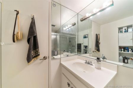 1440 Brickell Bay Dr #607 photo014