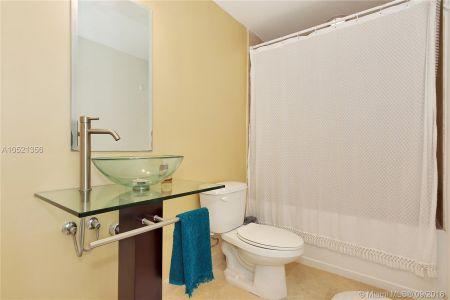 350 S Miami Ave #2213 photo019
