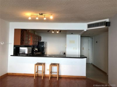 6039 Collins Ave #1119 photo04