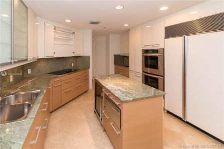 10225 Collins Ave #804 photo011