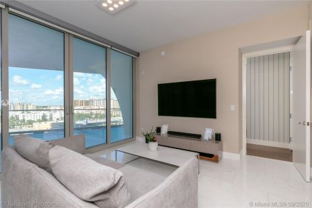 16901 Collins Ave #903 photo018