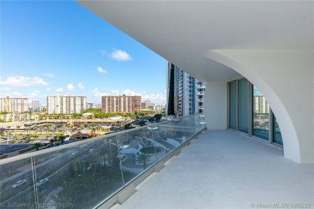 16901 Collins Ave #903 photo041