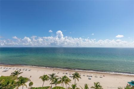 16901 Collins Ave #903 photo09