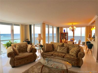 16711 Collins Ave #2508 photo02