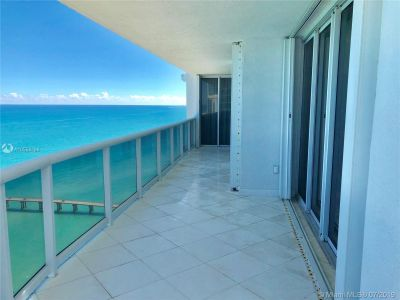 16711 Collins Ave #2508 photo07
